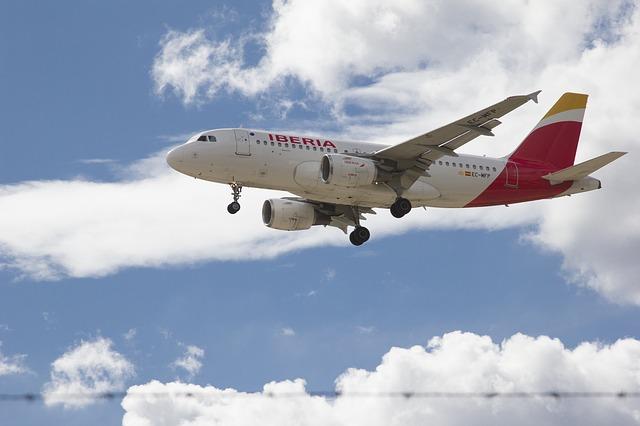 スペイン旅行は直行便がおすすめ!フライト時間や乗り継ぎ便との違いは?