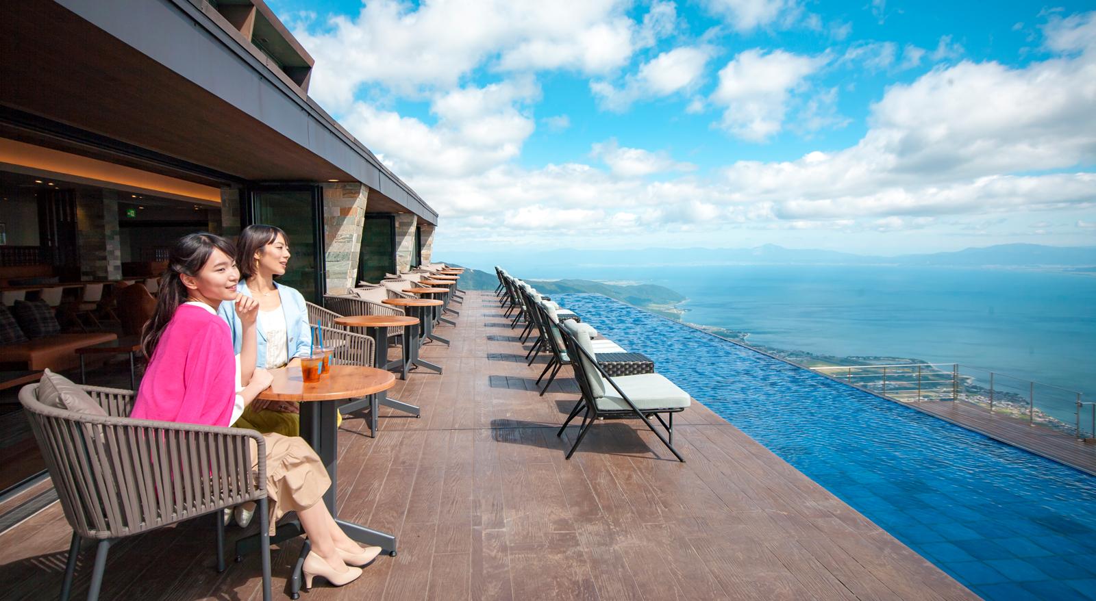 びわ湖バレイは大人気レジャースポット!琵琶湖一望の絶景リゾートで遊ぼう!