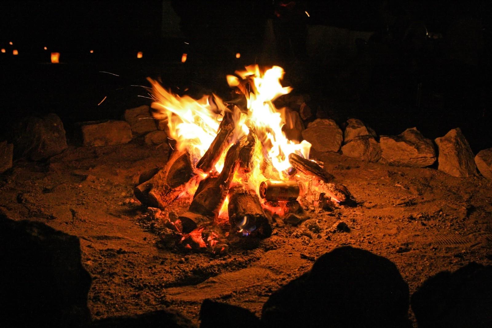 焚き火用タープは難燃性に優れている人気アイテム!おすすめ商品11選!