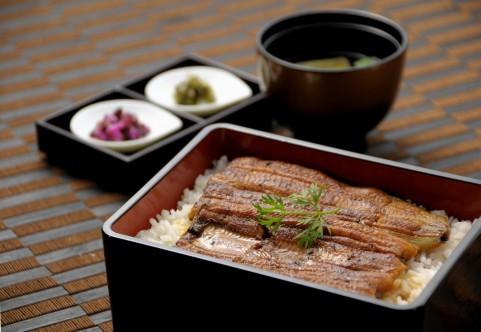 「吉塚うなぎ屋」は予約必至の福岡の名店!おすすめメニューや値段は?