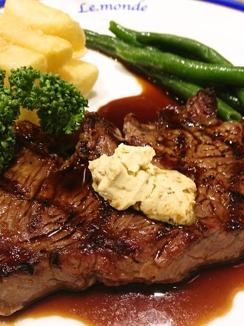 ル・モンドは新宿で行列ができる人気ステーキ店!お得なランチもおすすめ!