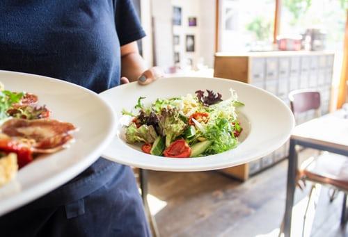 キッチンマカベは祖師ヶ谷大蔵の老舗洋食屋!オムコロなど人気メニューも紹介!