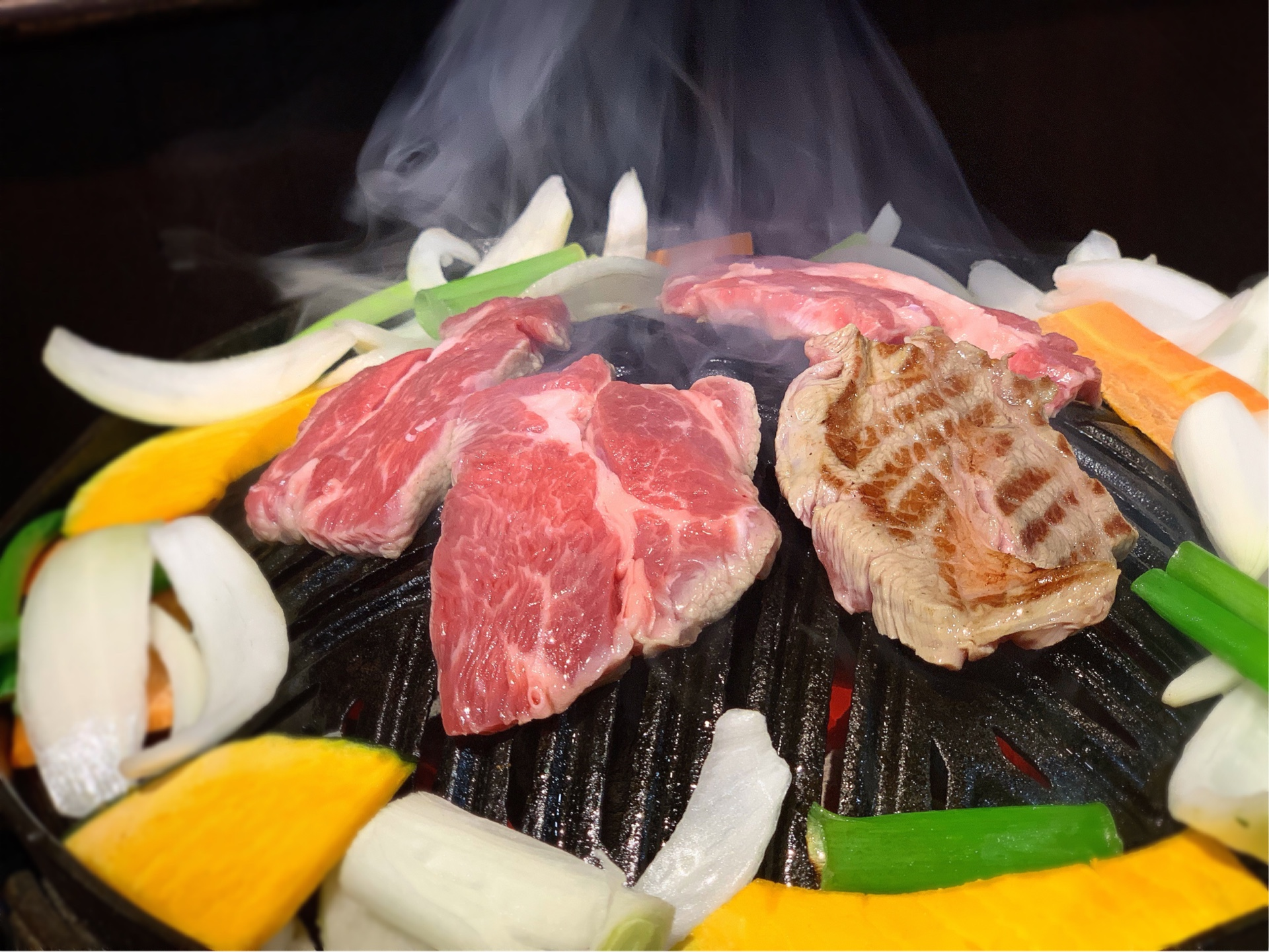 旭川の大黒屋は大人気ジンギスカン店!おすすめメニューの生ラムを味わおう!