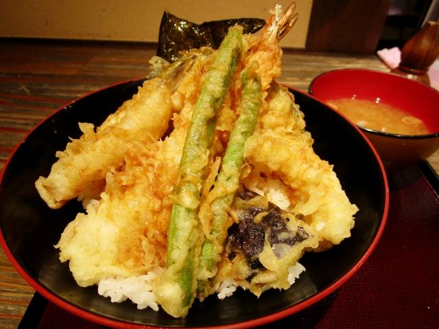 天ぷら「山の上」は山の上ホテルの有名店!文豪も通った老舗の天丼を味わおう!