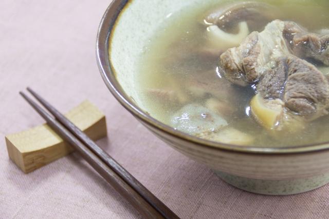 琉球料理と沖縄料理の違いを知ろう!特徴や材料・代表的なメニューをチェック!