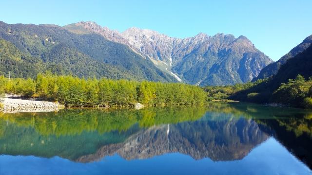 大正池は上高地で人気のハイキングスポット!河童橋までのルートもチェック!