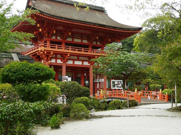 上賀茂神社(京都)の御朱印情報まとめ!種類や値段(初穂料)も紹介!