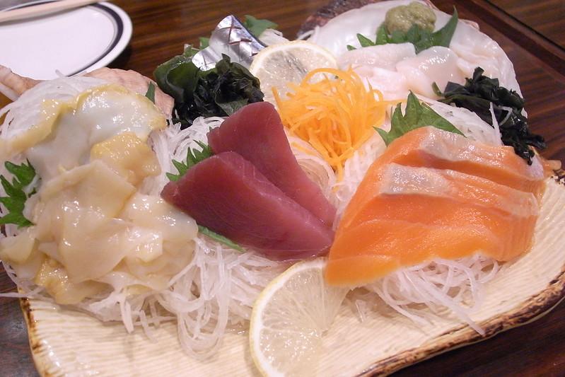 上野アメ横の「魚草」は呑める魚屋!新鮮な魚介類など人気のメニューも紹介!