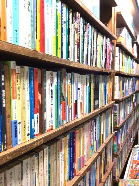 神田の古本屋街を徹底ガイド!古書を扱うお店からレトロなカフェまでまとめて紹介