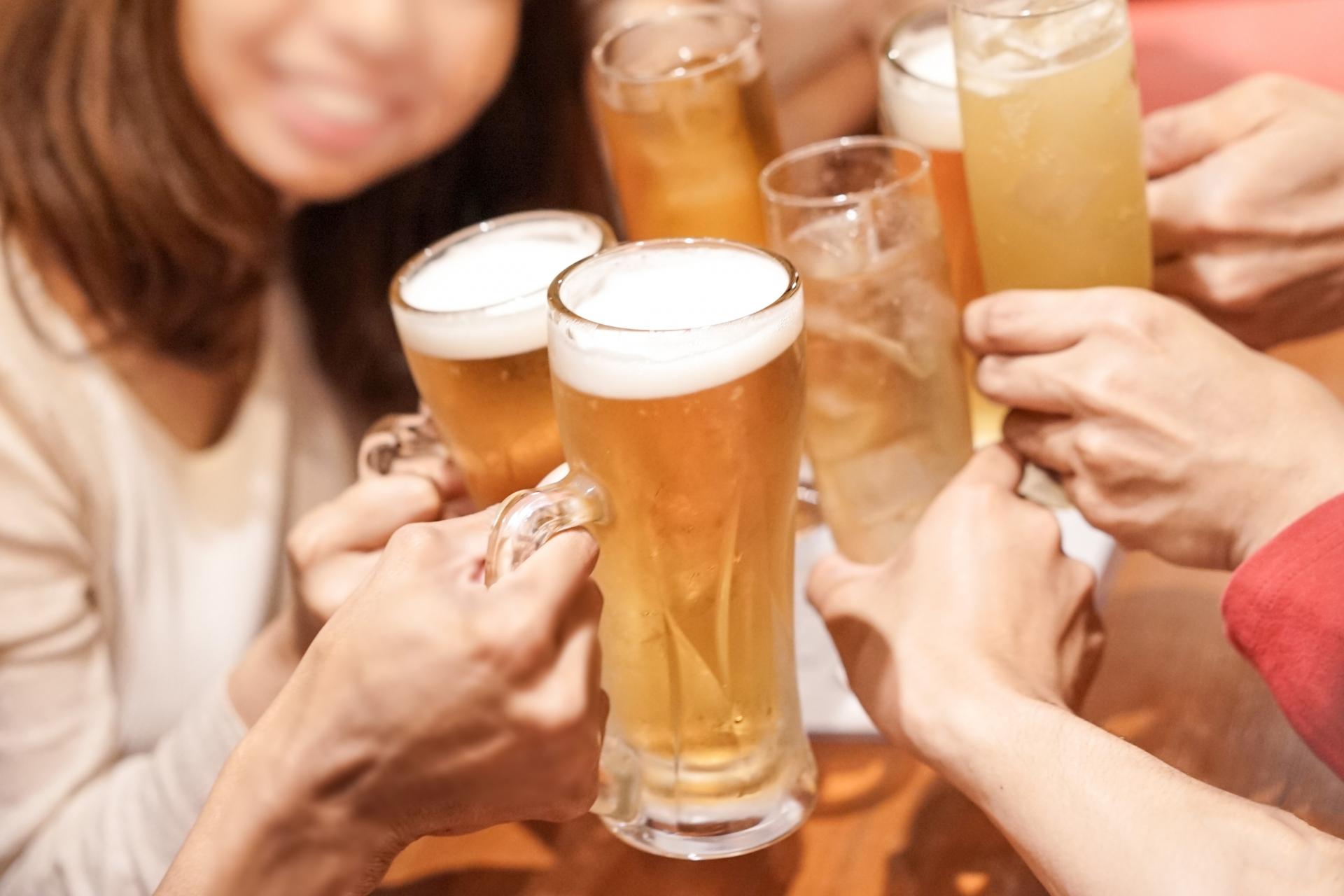 東京駅で昼飲みを満喫♪安い居酒屋や女子におすすめのおしゃれなお店も!