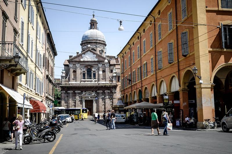 モデナはイタリアの人気観光スポット!市場などおすすめの名所をご紹介!