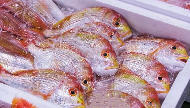御徒町の「吉池」は鮮魚が安いプロ御用達スーパー!食堂のメニューも大人気♪