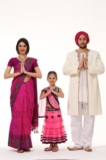 インドの民族衣装の特徴や歴史をチェック!女性のサリー・男性のクルタもおしゃれ