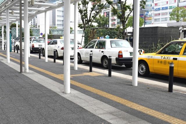 京都駅のタクシー乗り場は中央口・八条口の2か所!おすすめの行き方は?
