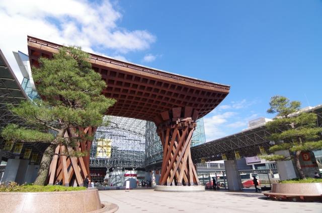 金沢から名古屋へのアクセス方法をチェック!電車と高速バスではどっちがお得?