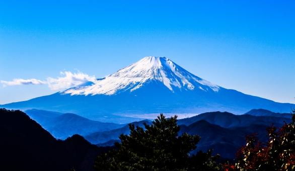 新幹線の車窓から見る富士山に感動!見える区間やおすすめの座席をチェック!