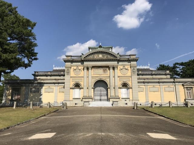 奈良国立博物館の駐車場・アクセス方法まとめ!周辺の安いパーキングもチェック
