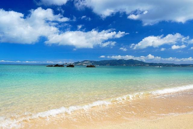 綺麗な海「エメラルドビーチ」でシュノーケリング・マリンスポーツを楽しもう♪