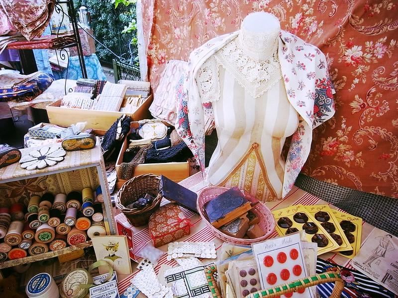 「平安蚤の市」は京都のアンティークマーケット!開催日やアクセスは?