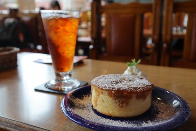 渋谷「フラミンゴ」は昼も夜も人気のカフェ!インスタ映えするおしゃれな店を紹介