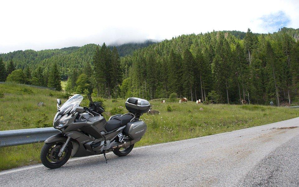 ツーリングにおすすめのバイク用シートバッグは?便利で使いやすい人気商品を紹介