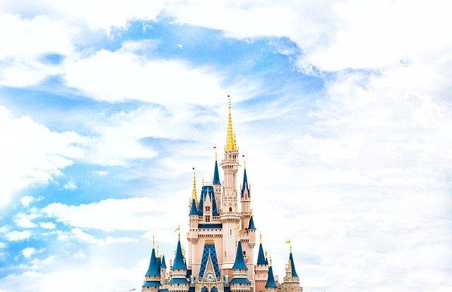 ディズニーに行くときの平均予算は?チケットや食事にお土産代など徹底調査!