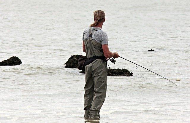 ダイソーの釣具はコスパ抜群の人気アイテム!釣れると話題のルアーなどを大紹介!