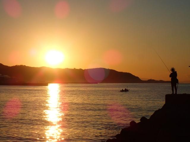 朝マズメ・夕マズメの時間帯をチェック!魚が釣れる理由や狙い方もご紹介!