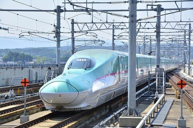 予土線の観光列車「鉄道ホビートレイン」特集!四万十川沿いを新幹線が走る?